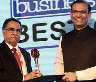 Mr. S Varadarajan, C and MD, BPCL receives the Business Today BEST CEO AWARD
